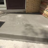 new concrete front stoop